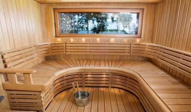 деревянная парилка в сауне